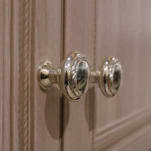 6d17052e0262536cb3df401ae2bdd263 6 300x300 - Брайтон 16 шкаф для одежды 2-х дверный