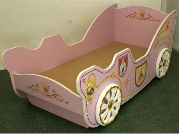 """princessakrovat 600x450 - Набор мебели для детской """"Принцесса"""""""